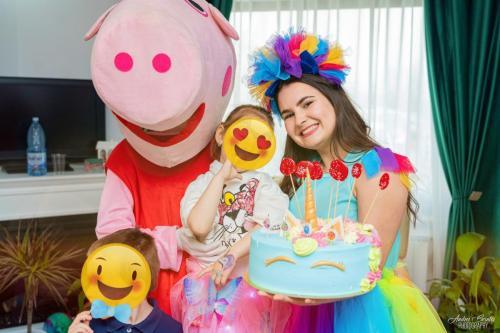 Petrecere cu Peppa Pig si Rainbow Dash